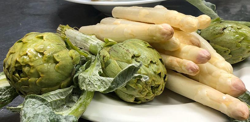 Alcachofas con almejas a la Navarra