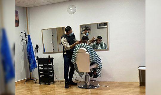 Noureddine ha abierto una peluquería de hombre en Milagro
