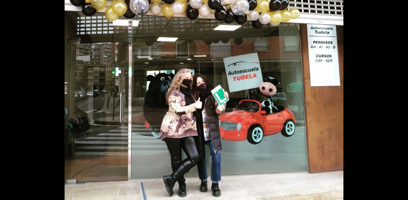 Nuria ha abierto una autoescuela en Tudela