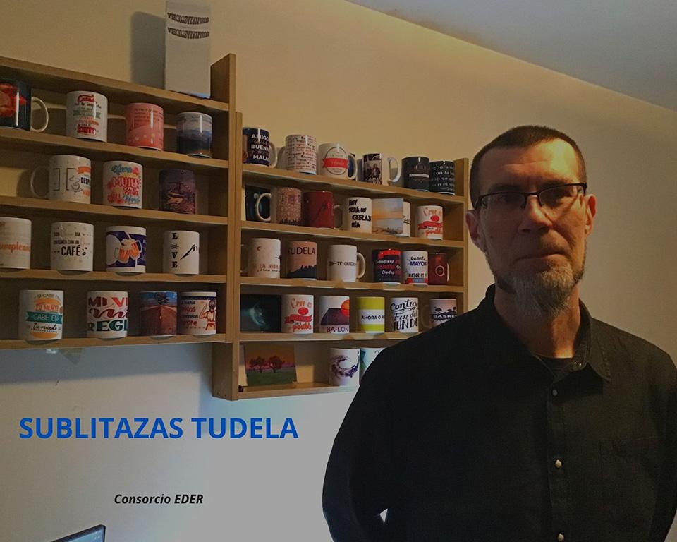 Juan José ha abierto una empresa de serigrafía en Tudela