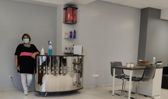 Verónica ha abierto una peluquería unisex en Tudela