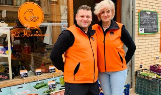 Rubén y Raquel han cogido el traspaso de una tienda de alimentación en Corella